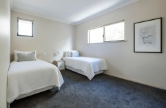 BEDROOM 3 KING BED OR 2 TWIN BEDS